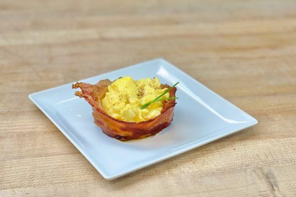 Velvety Scrambled Egg Bacon Bowl 01 (Copy)